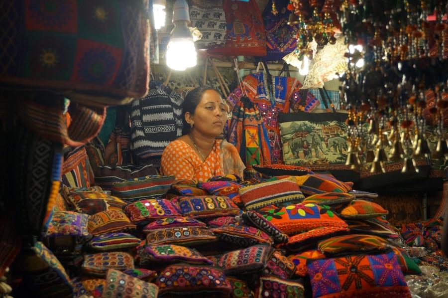 night-market-seller