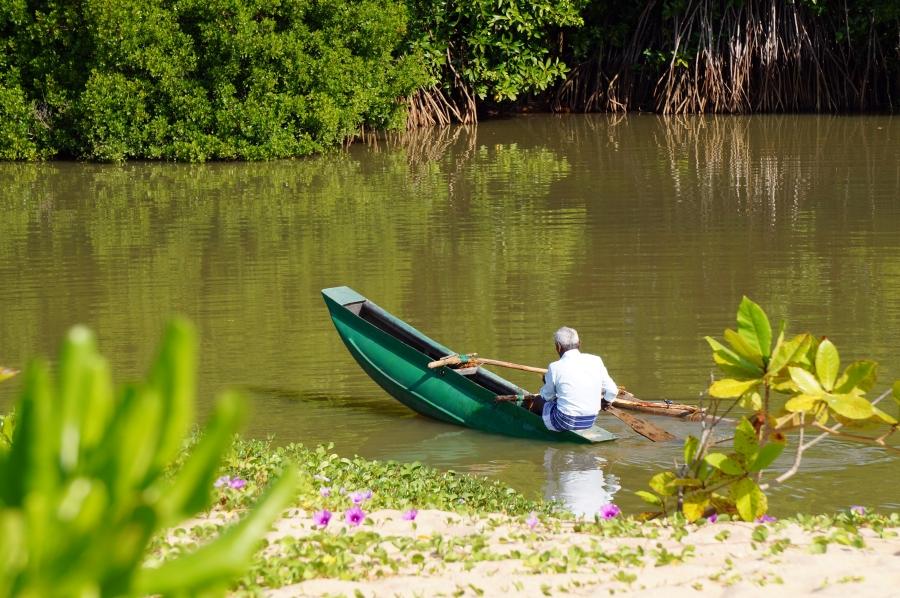 tangalle-lagoon-01