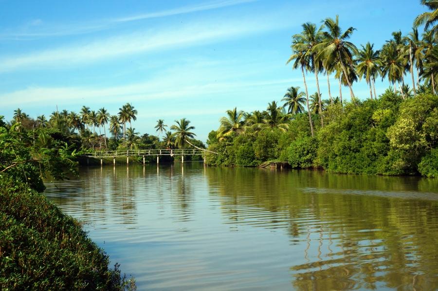 tangalle-lagoon-02