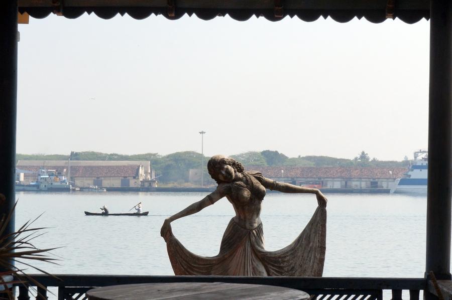 fort-kochi-statue-art-01