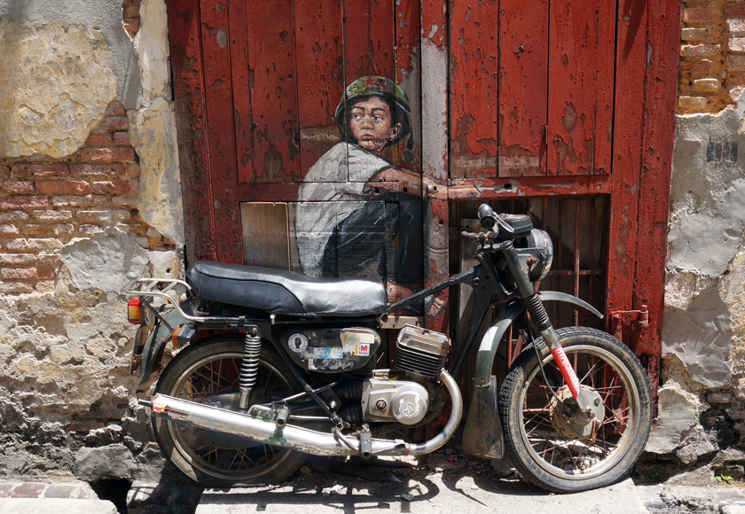 georgetown-street-art-motorbike-02-740
