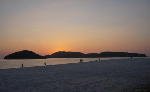 langkawi-pantai-cenang-sunset-02-940