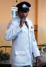 kandy-train-conductor-01
