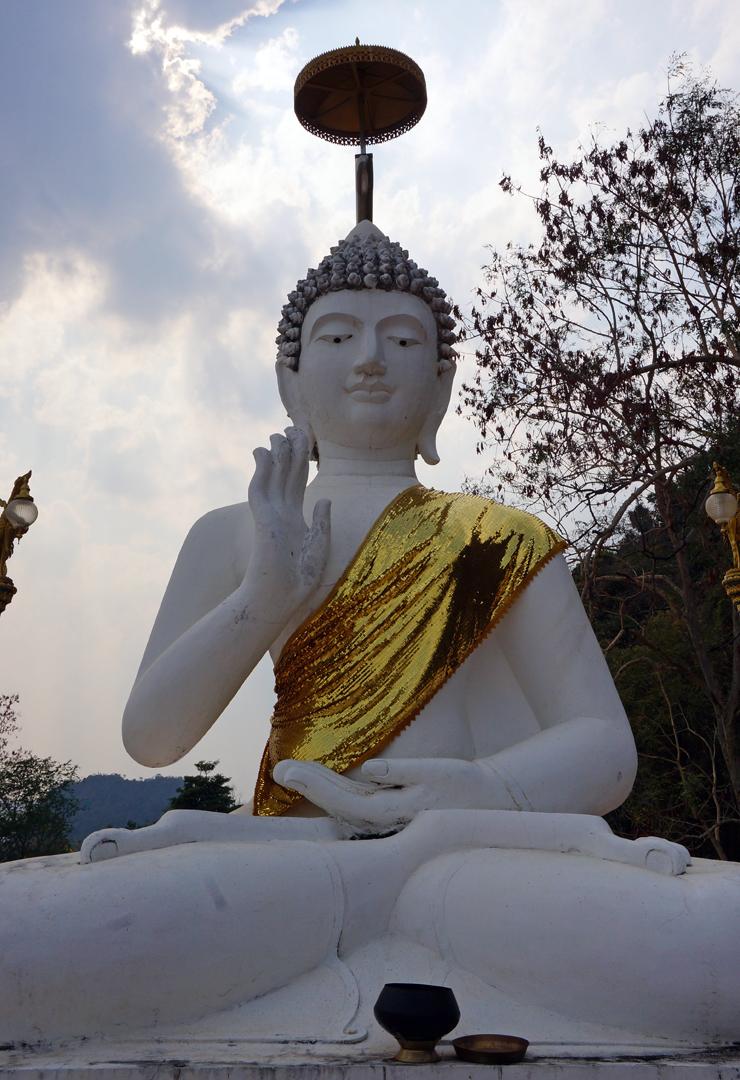 chiang-rai-buddha-01-740