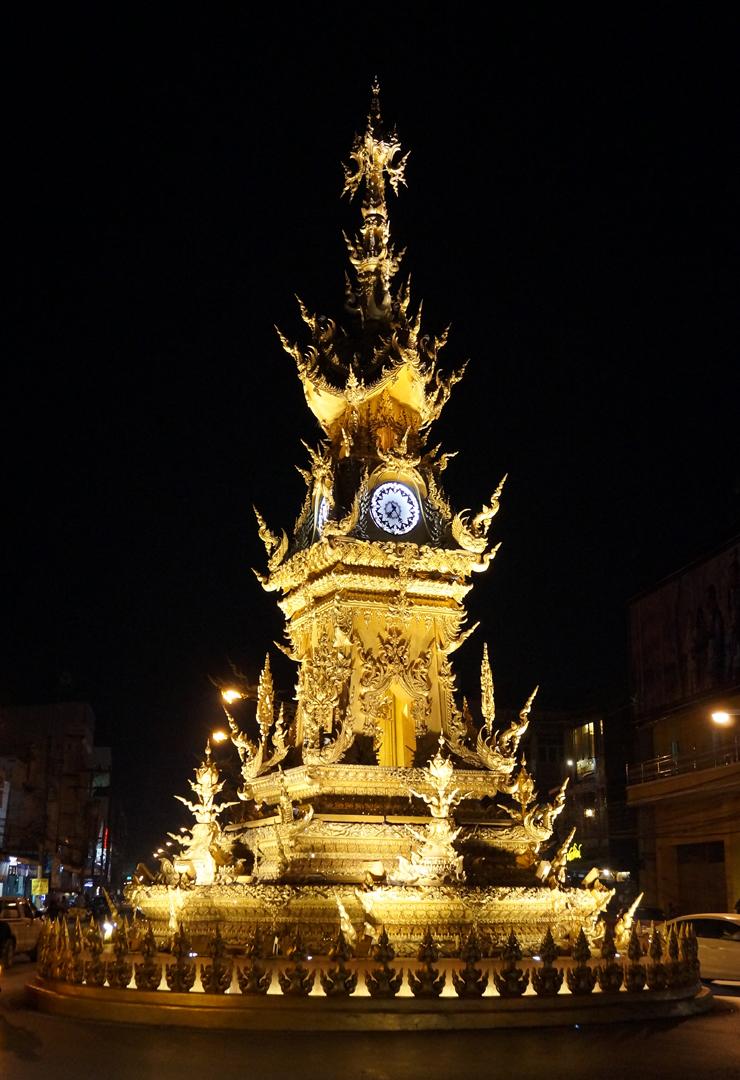 chiang-rai-clocktower-01-740