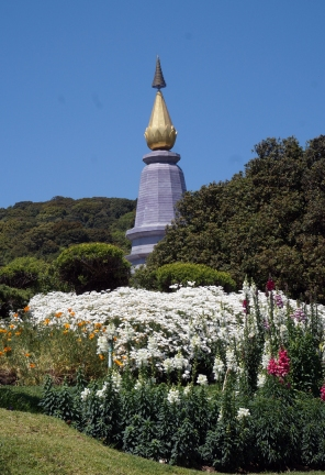 doi-inthanon-summit-pagodas-05-740