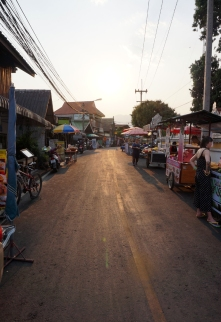 pai-walking-street-01